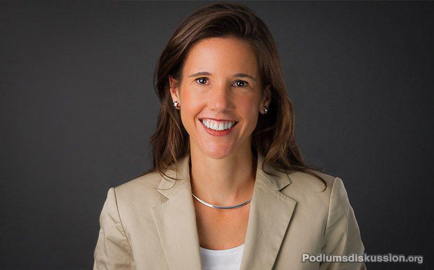 Corinna Egerer Moderatorin auf www.Podiumsdiskussion.org