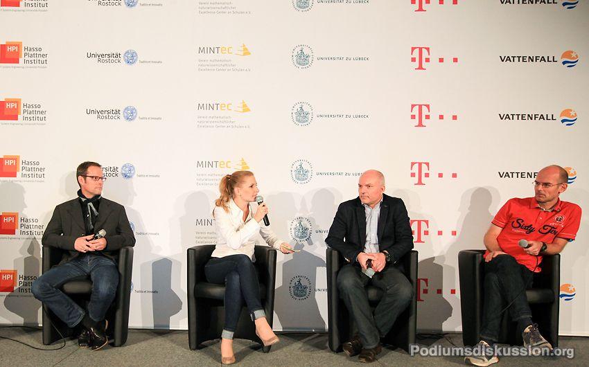 Janine Mehner Moderatorin auf www.Podiumsdiskussion.org