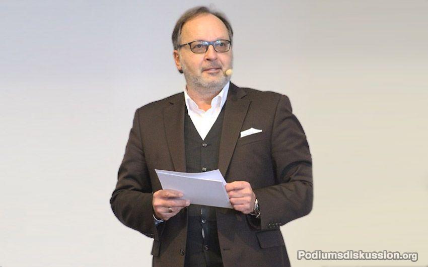 Martin W. Puscher Moderator auf www.Podiumsdiskussion.org